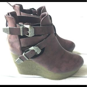 Sbicca Vintage Collection Buckle Top Booties